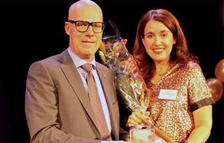 Årets Affärsnätverkare Carina Nunstedt tillsammans med Gunnar Selheden, VD för BNI Norden.